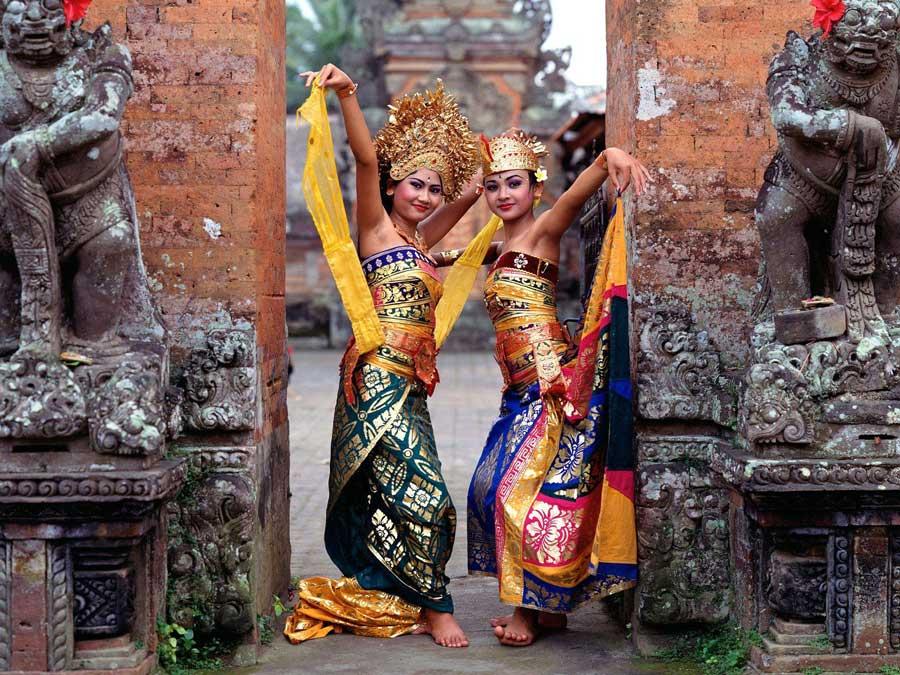 30fabfe6-a778-4f92-b659-26f6d268d1a6Indonesia-Bali-Dancers