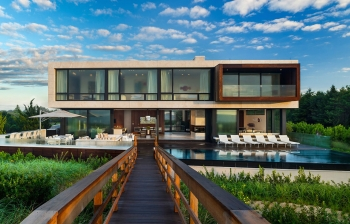 THE NEW MODERN HOMES OF THE HAMPTONS