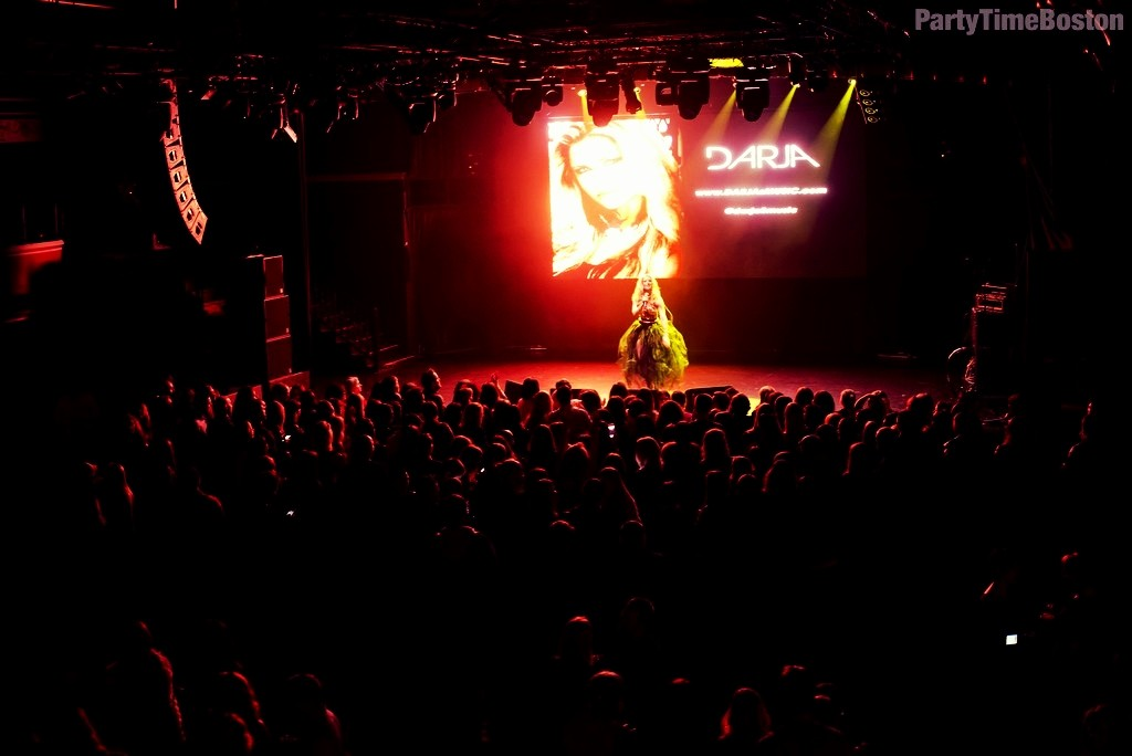 Darja - Boston - Full stage (1)